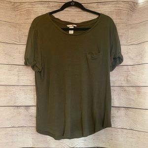 🌷4/$20 SALE H&M Olive Green Tee
